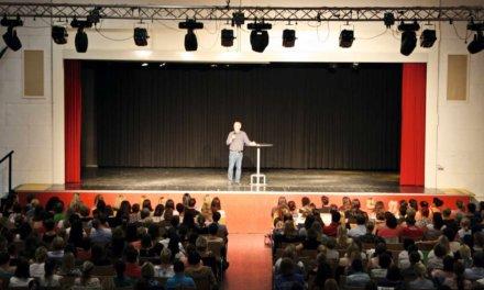Jan-Uwe Rogge füllte die Kirschenhalle
